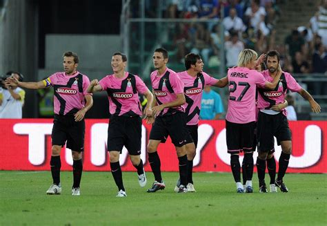 Ten of the best (and worst) pink kits in football ...