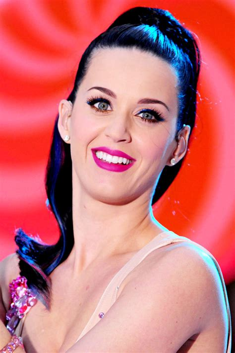 Pictures: Katy Perry Brings Cotton Candy Cloud to 'Today' Show
