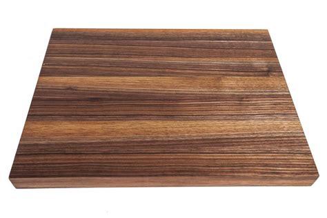 planche bois cuisine la planche pas seulement pour découper johanne