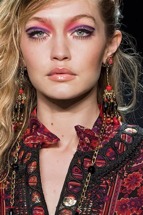 Модный макияж осень 2018 – тенденции тренды на каждый день вечерний для глаз губ бровей коллекции Chanel Dior Givenchy