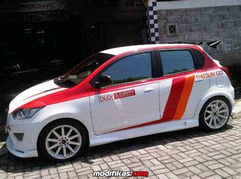 Modifikasi Datsun Go by Modifikasi Mobil Datsun Go Memakai Velg Te37v 16 Inch