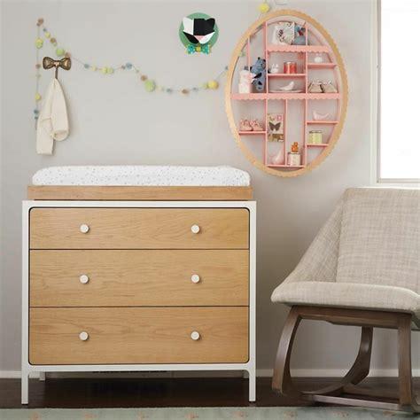 étagère murale pour chambre bébé quelques astuces rangement chambre pour votre fille