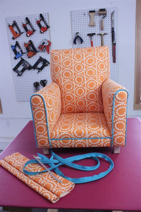 Learn To Do Upholstery by Do You Want To Learn How To Upholster Furniture S