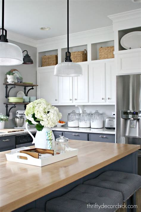 why dont kitchen cabinets go to the ceiling kitchen cabinets that don t go to the ceiling