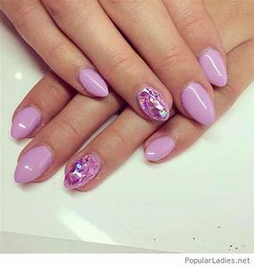Beautiful light purple gel nails with mirror effect