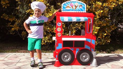 Roma Pretend Play With Food Cooking Truck