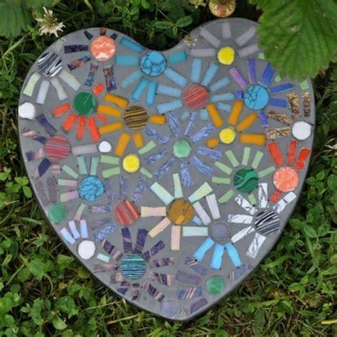 mosaik basteln stein mosaik im garten
