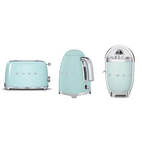 petit electromenager smeg ensemble smeg bouilloire klf03 toaster tsf01 presse