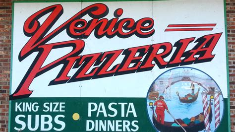 Best Pizza Venice by Best Pizza In Utica Area Venice Pizzeria Official