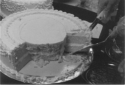 how to cut a wedding cake how to cut a wedding cake and save a bundle of money