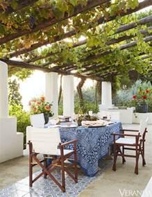 best 25 italian courtyard ideas on italian