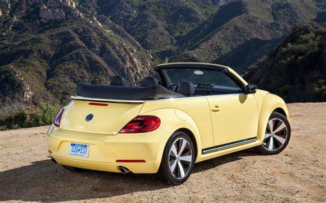 volkswagen beetle convertible  hermoso  bien
