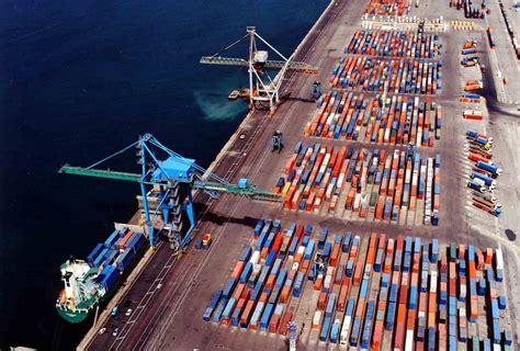 la chambre port louis marseille europort s 39 expose en chine mer et marine
