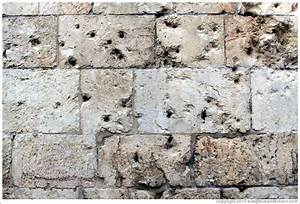 Bullet holes, Zion Gate, wall of the Old City of Jerusalem ...
