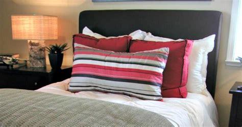 stop keeping   bedroom housewife  tos