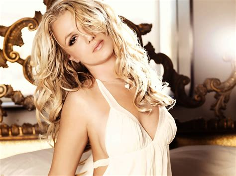 britney spears wallpapers  hot pics  hd wallpapers