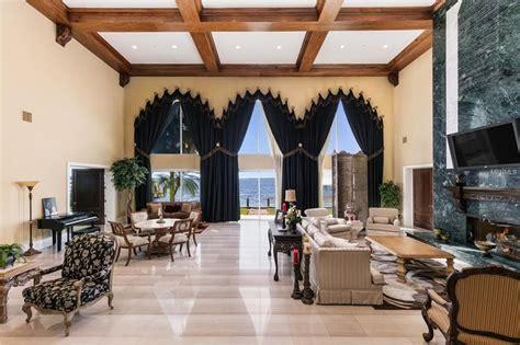 shaqs ridiculous florida mansion      cool