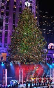 rockefeller center christmas tree lighting is a smash hit thanks to mariah carey jewel mary j