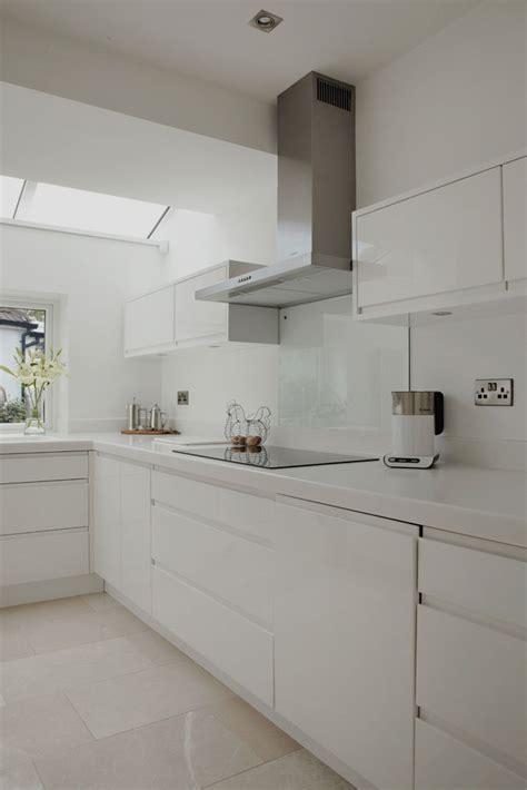 best 25 white gloss kitchen ideas on worktop designs gloss kitchen and high gloss