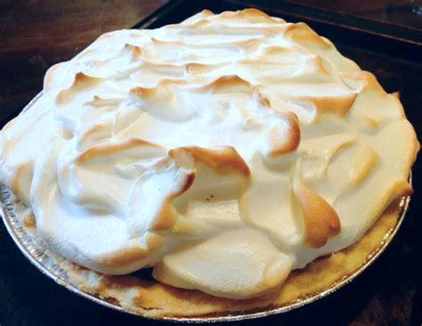 meringue dessert recipes easy simple meringue recipe just a pinch recipes