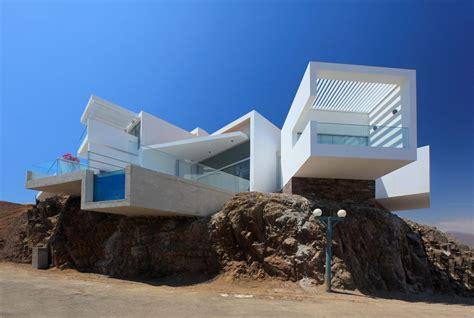 Beach House : Beach House Las Lomas I-by Vértice Arquitectos