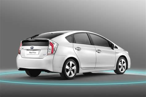 Prius Cer by Facelifted 2012 Toyota Prius Quietly Makes World Premiere