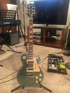 Epiphone Traditional Pro  Epiphone Limited Edition Les