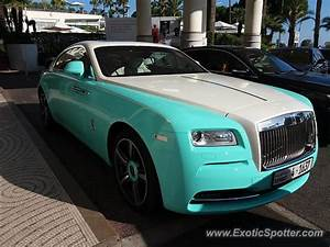 Rolls Royce France : rolls royce wraith spotted in cannes france on 07 28 2017 ~ Gottalentnigeria.com Avis de Voitures