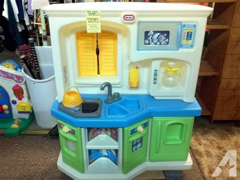 tikes country kitchen tikes cookin interactive kitchen for in 7133
