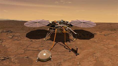 nasa insight craft lands  mars     man