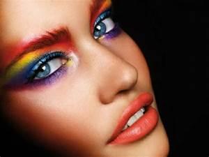 Karneval Gesicht Schminken : originell zum fasching schminken betonen der augen ~ Frokenaadalensverden.com Haus und Dekorationen