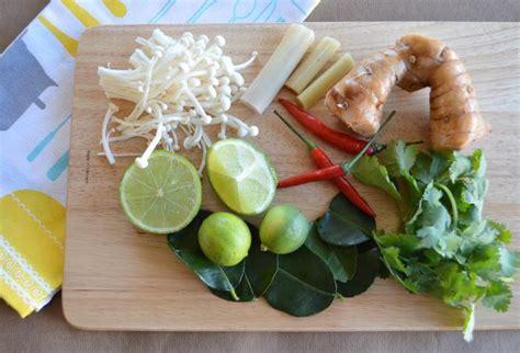 Thai Lemon Grasschicken Soup