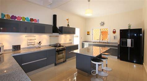 cuisine en l avec ilot central maison espace maison et espace fabrique des cuisines