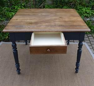 Table Cuisine Carrée : table ancienne bois avec tiroir ~ Teatrodelosmanantiales.com Idées de Décoration