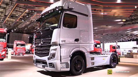 mercedes actros  sleeper truck exterior