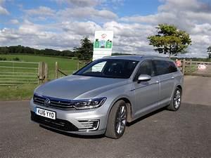 Volkswagen Passat Gte : vw passat gte hybrid estate road test wheels alive ~ Medecine-chirurgie-esthetiques.com Avis de Voitures