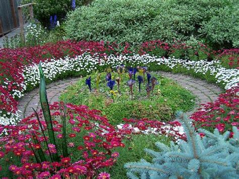 jewell gardens skagway ak hours address