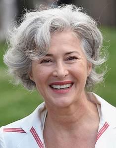 Coupe Courte Femme Cheveux Gris : coupes modernes pour cheveux gris ~ Melissatoandfro.com Idées de Décoration
