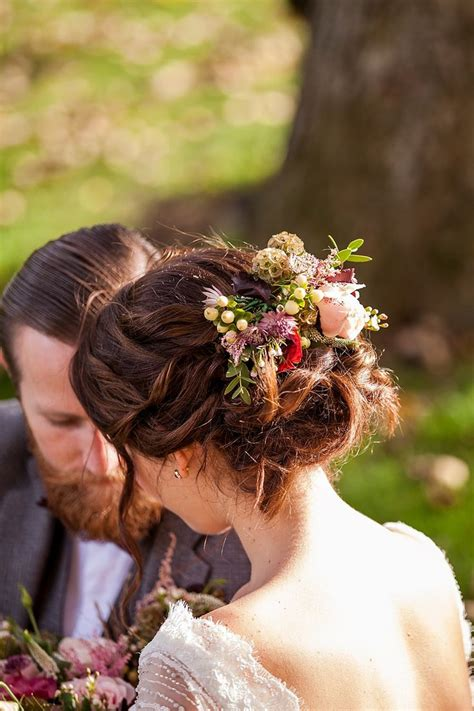 The 25  best ideas about Bridal Hair Flowers on Pinterest