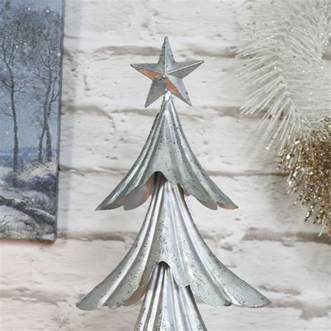 silver and christmas tree silver metal christmas tree melody maison 174 6312