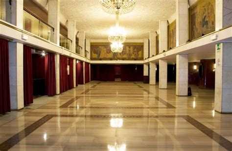 Foyer Teatro Teatro Manzoni Di Teatro It