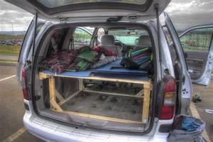 Auto Als Bett : so baust du ein bett in dein auto ein wander dude ~ Markanthonyermac.com Haus und Dekorationen