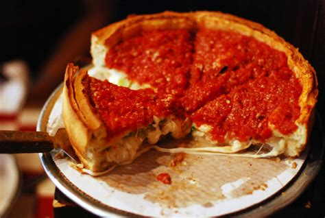il cuisine illinois dish pizza taste the states 50 iconic
