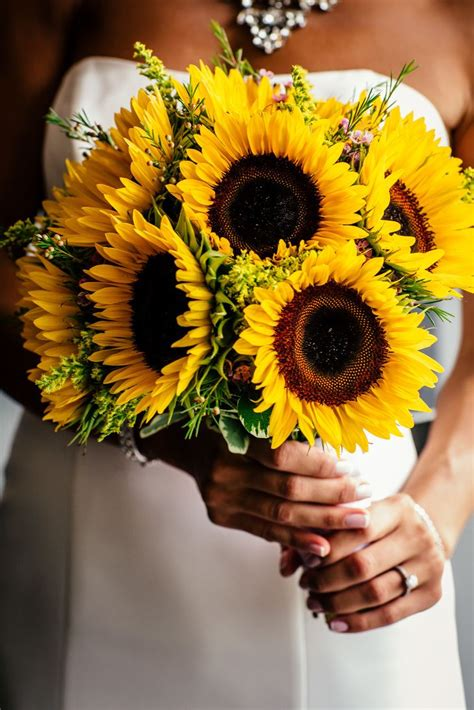 25 Best Ideas About Sunflower Bridal Bouquets On