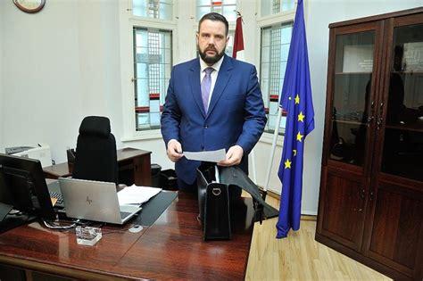 Ekonomikas ministrs Jānis Vitenbergs: Atgūsimies trīsreiz ...