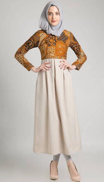 31 koleksi baju muslim modern bentuk untuk karir
