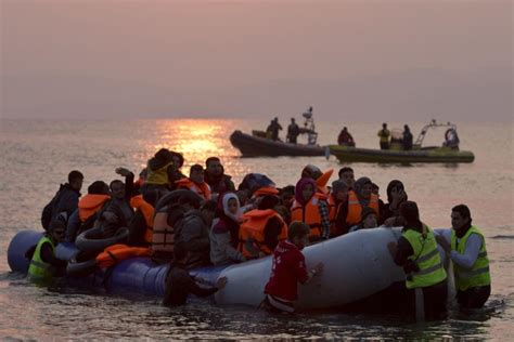 Syria group files for int'l probe of Greece migrant abuse