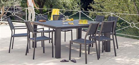 table de jardin carr 233 e 160 cm marbella marron d 233 couvrez nos tables de jardin carr 233 es 160