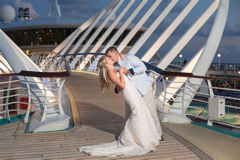 cruise wedding caribbean bahamas royal destination carnival weddings norwegian hotel disney port princess photographer mcl celebrity tampa florida capturedbyelle