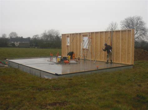 maison en panneaux de bois constructeur maisons ossature bois manche 50